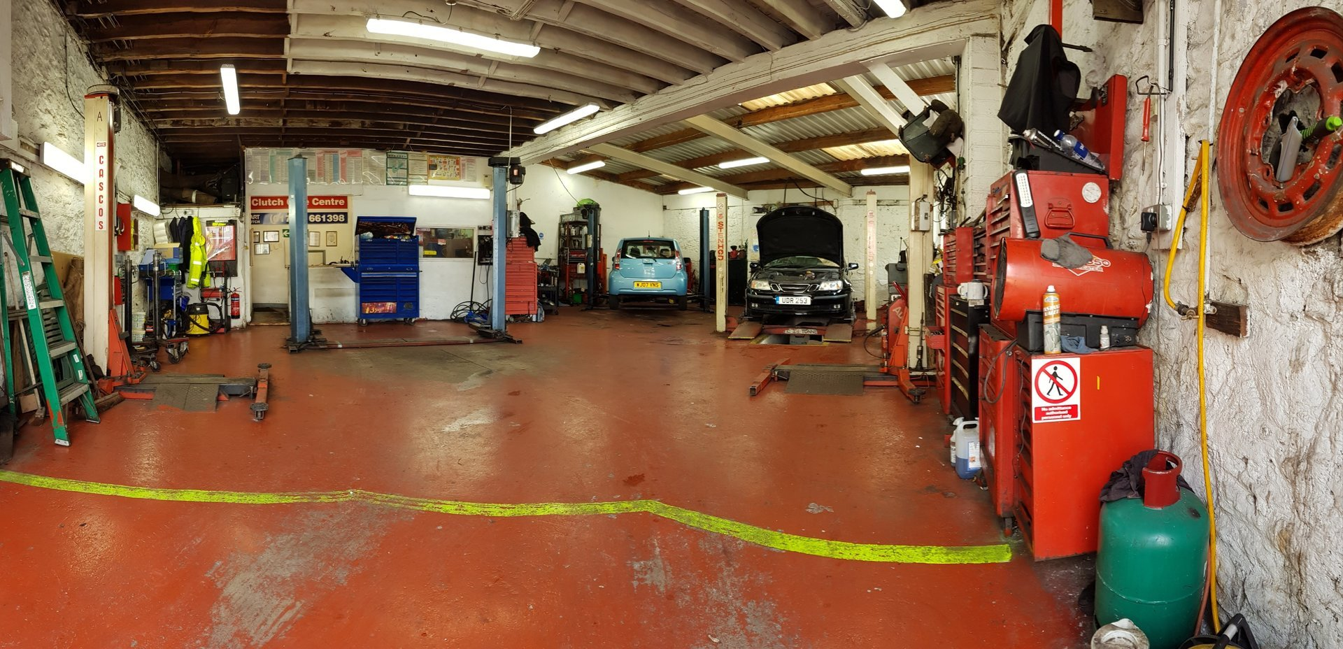 garage interior view