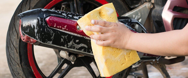 lavaggio auto con accessori