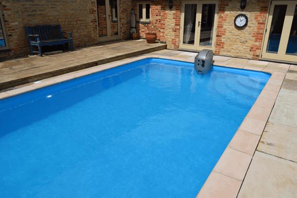 Big outdoor Propa pool