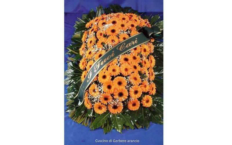 Copribara e cuscini per allestimento funerale