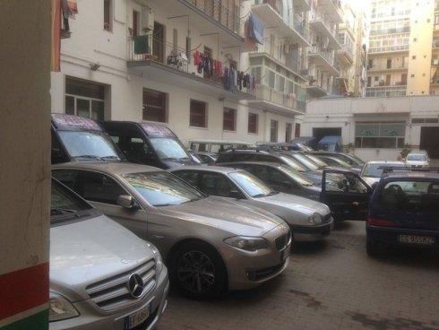 Parcheggio autoveicoli