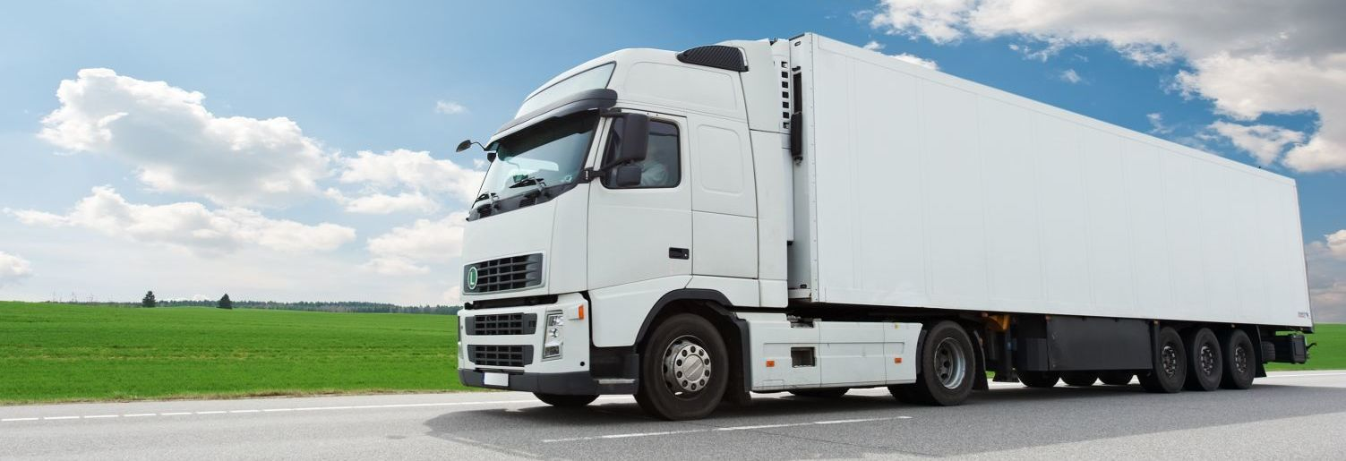 Transport truck providing cartage services in Auckland
