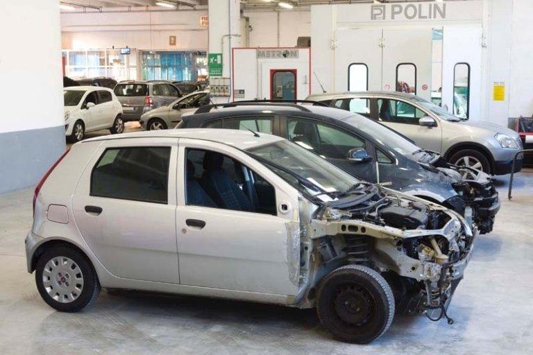riparazione auto incidentata