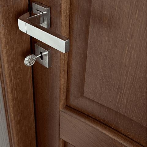 Porte laccate ed in vetro cagliari mgm infissi - Porte salvaspazio per interni ...