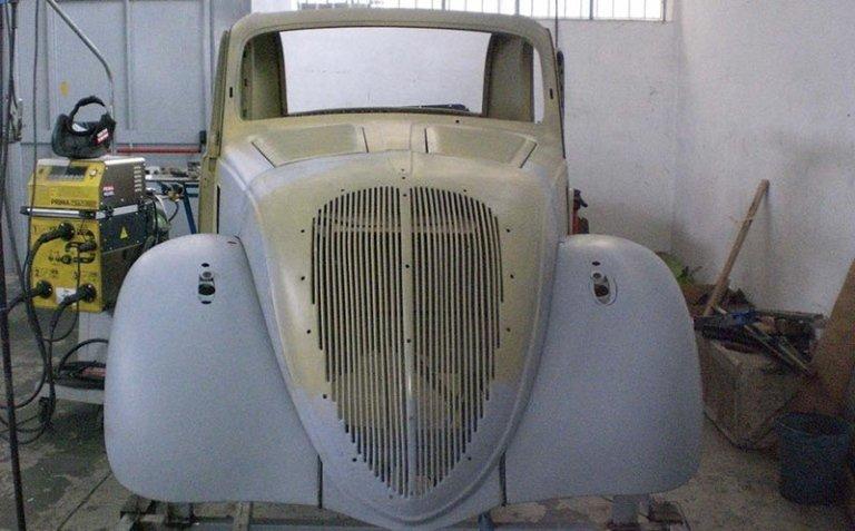 restauro di una vettura d