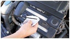 controllo olio motore