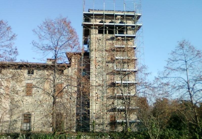 Torre castello Cavernago