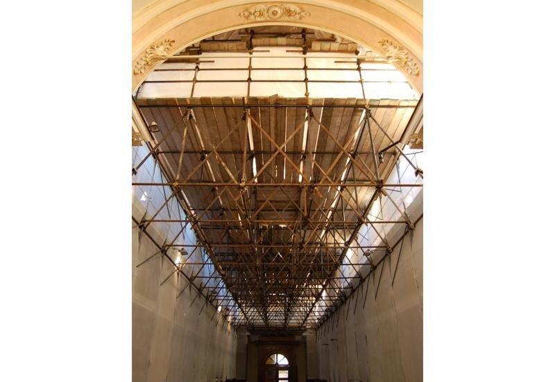 Platea per restauro navata