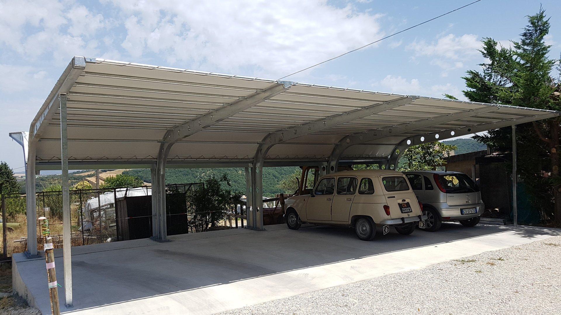 copertura parcheggio in metallo