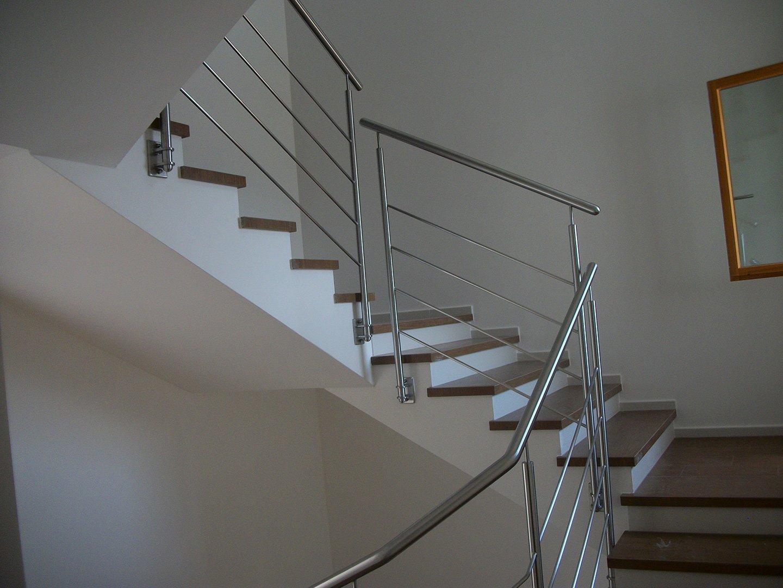 scale con ringhiera in ferro