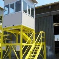 piattaforme di comando per gru portuali