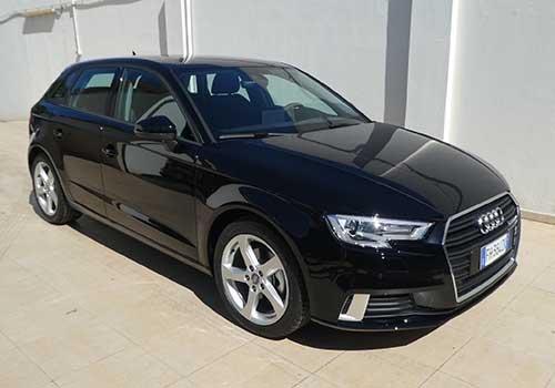 un Audi nera