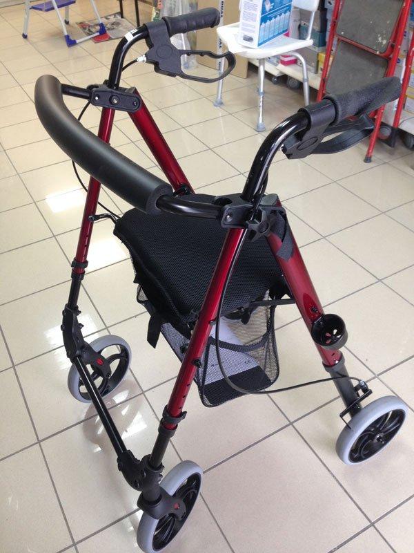 un deambulatore per disabili