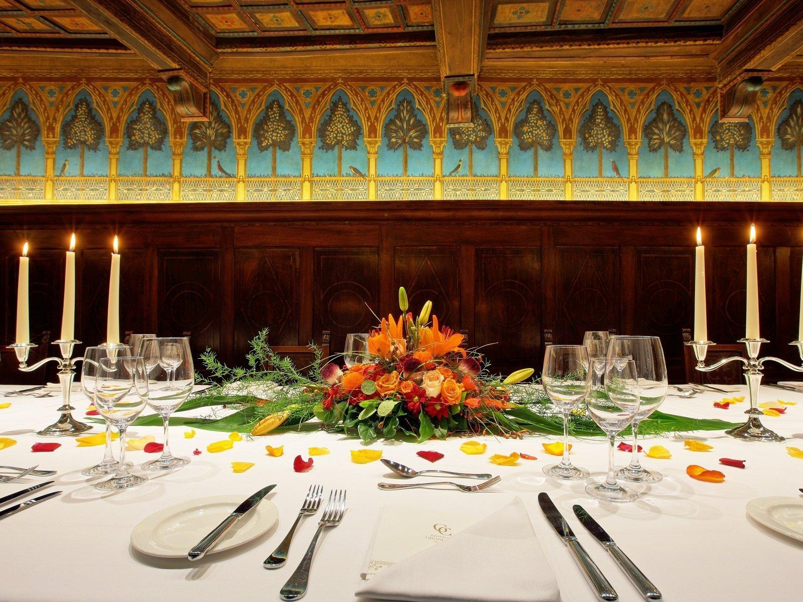 La tavolata del suggestivo Cenacolo Fiorentino
