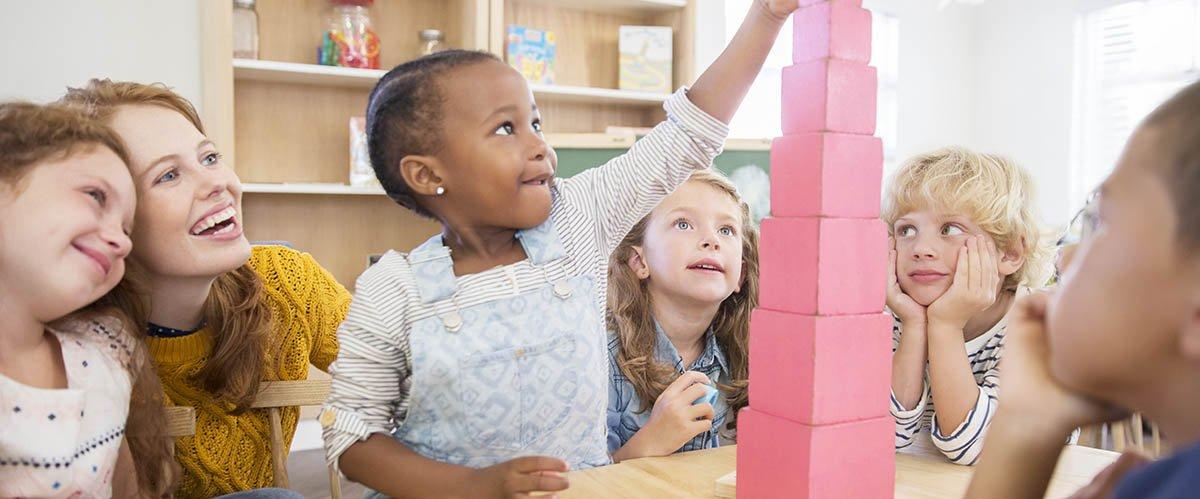 a kid building blocks