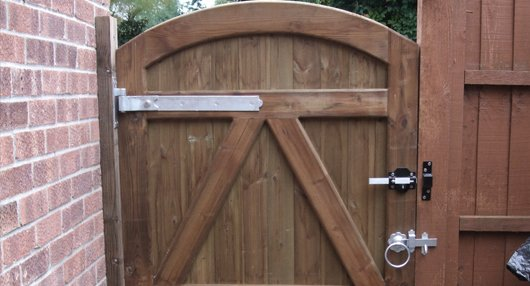glove scott home section he make on you of saws is projects gates diy easiest gate a from can fence this garden skates gorgeous the made one picket at