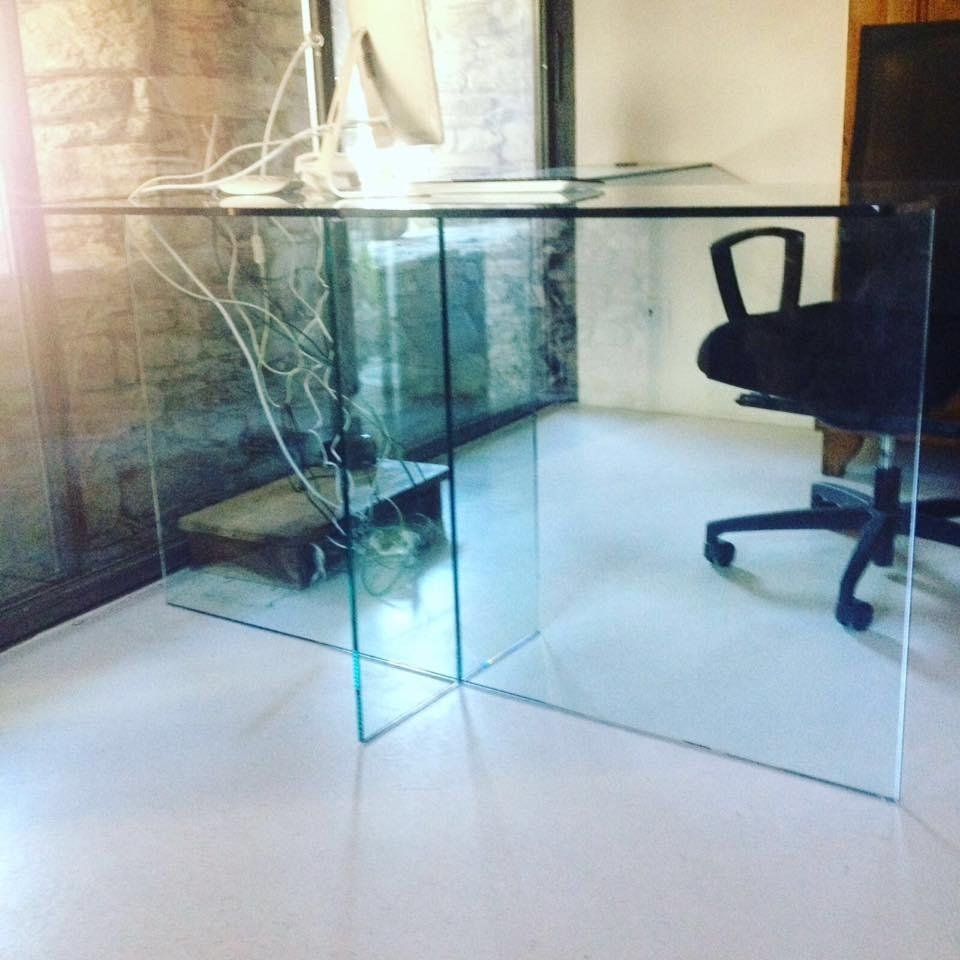 Tables de travail en verre