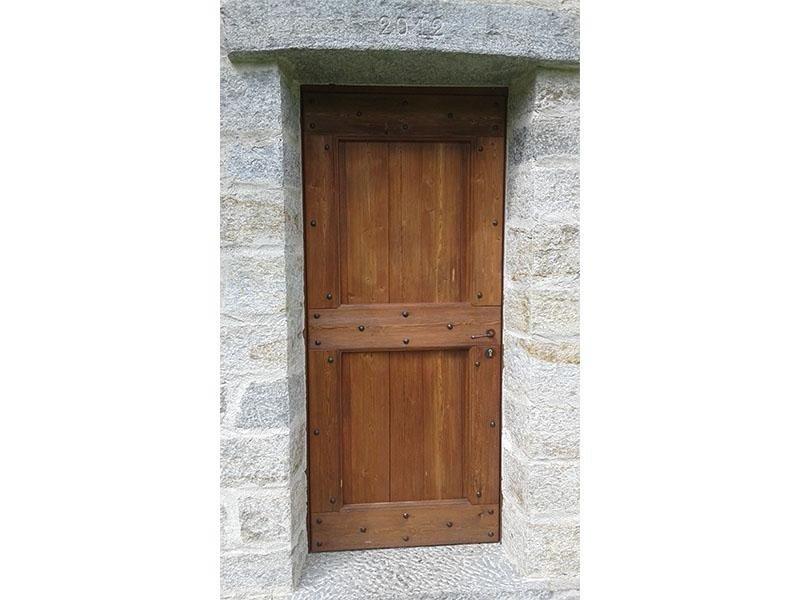 porte prodotte con legno da recupero