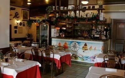 Tavoli interni ristorante