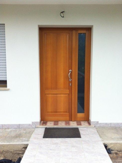 porte in legno trattato