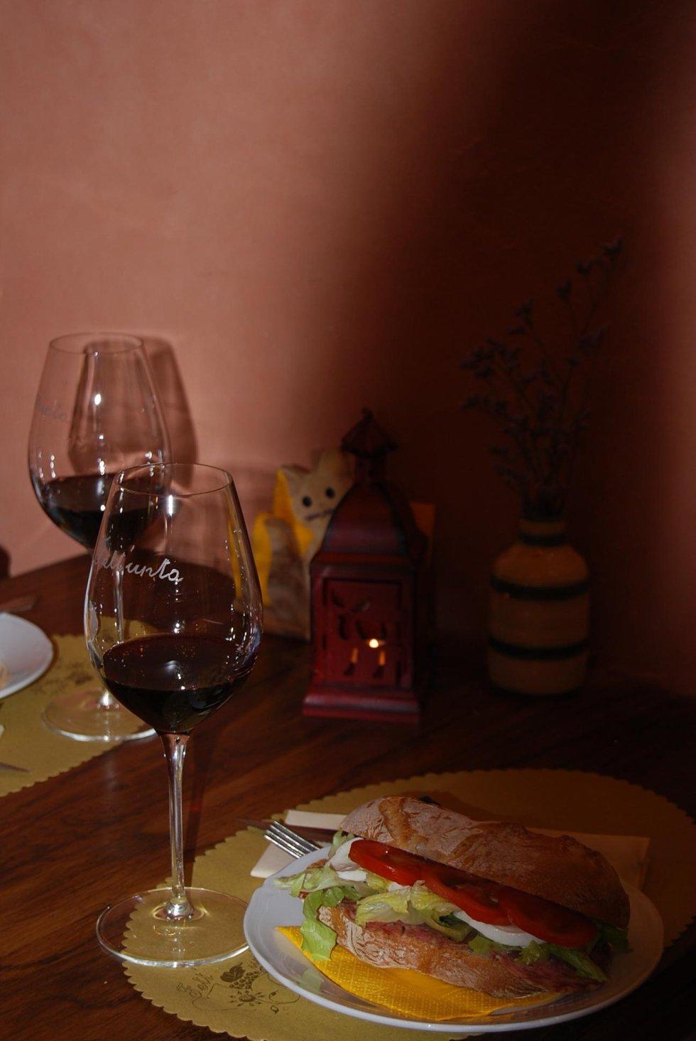 degustazione vini tipici toscani