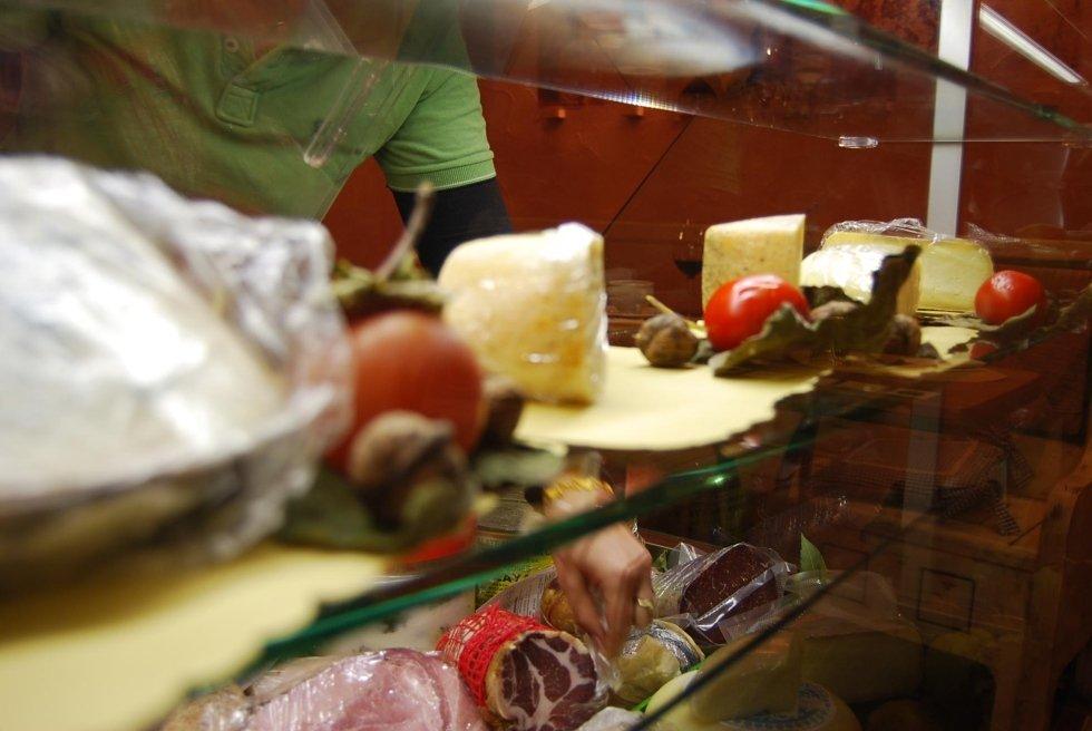 salumi e formaggi toscani