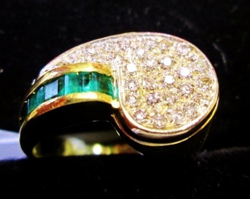 anello d'oro smaltato