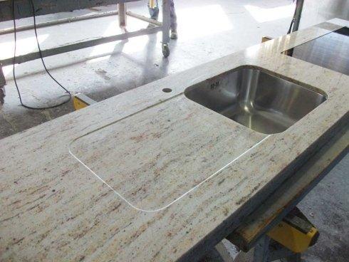 Top e piani cucina varese sberna marmi e granito quarzo for Top cucina granito