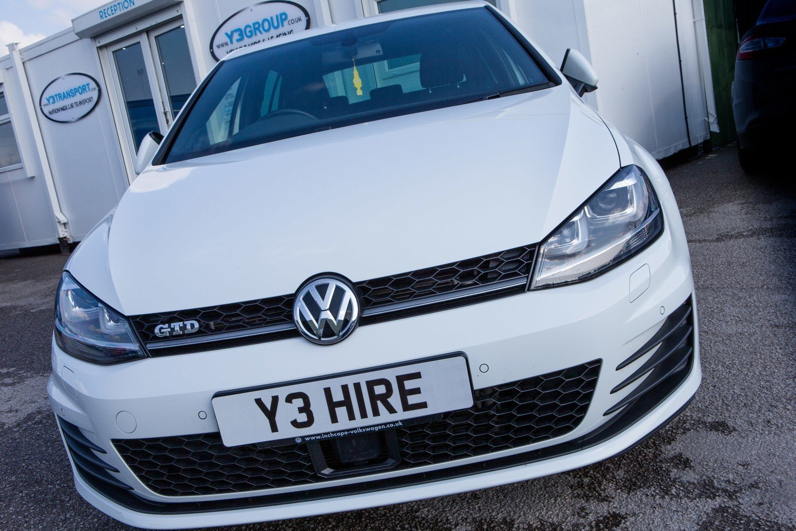 car hire in leeds and harrogate