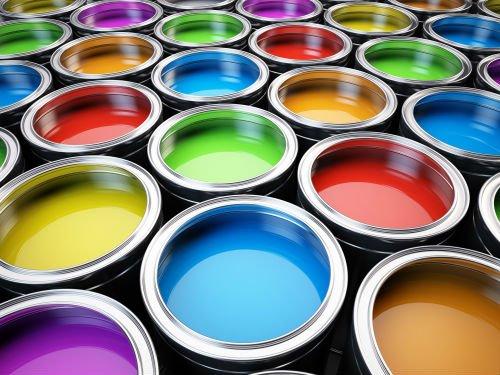 battelli di vernice di colore diverso