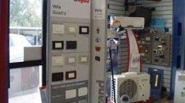 impianti antifurto; impianti per telesorveglianza, interruttori, lampadari, videocitofoni,