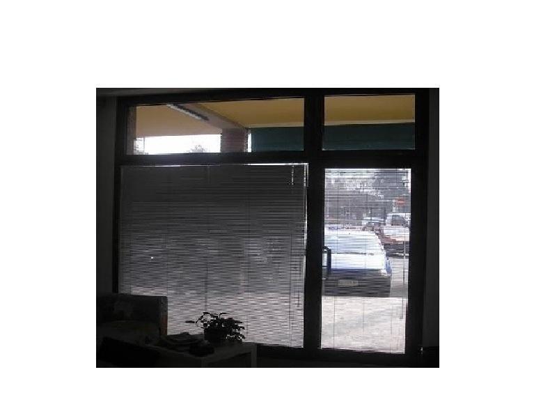 profilo alluminio interno per porte maggiorato condomini e negozi