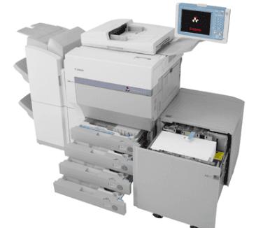 una stampante multifunzione da ufficio