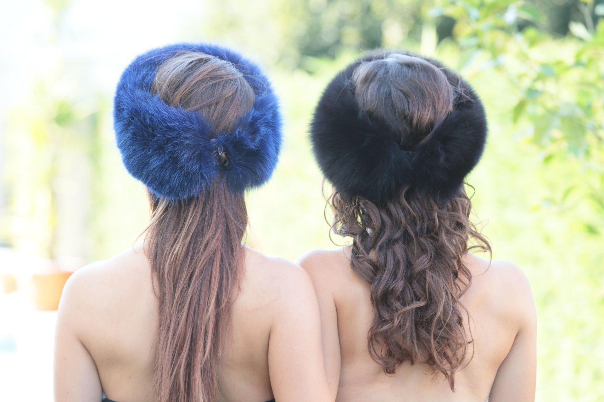2 donne di spalle