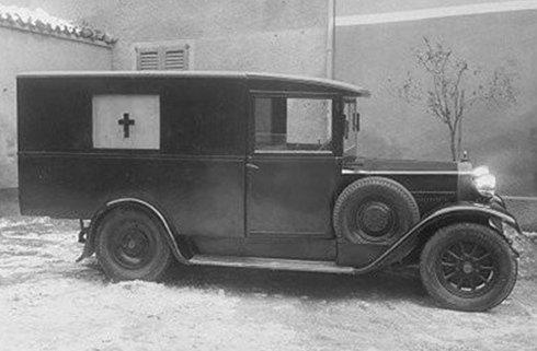 trasporto funerario con auto d