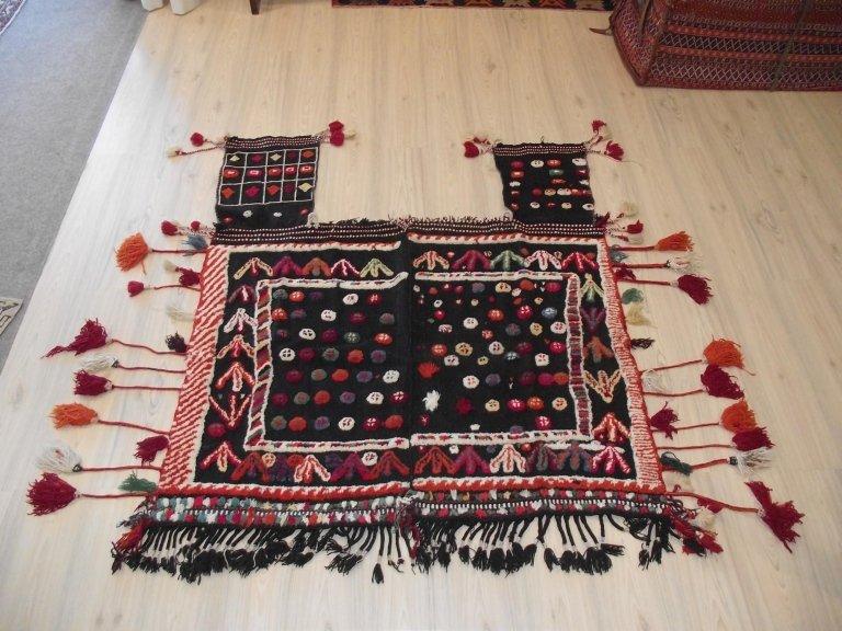 Kilim coperta cavallo antica con fiocchi - Mis. 145x115