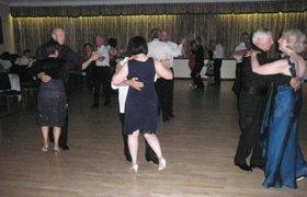 couples doing the ballroom dance