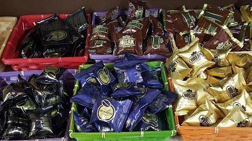 Assortimento di cialde e capsule per caffè, tisane ed infusi