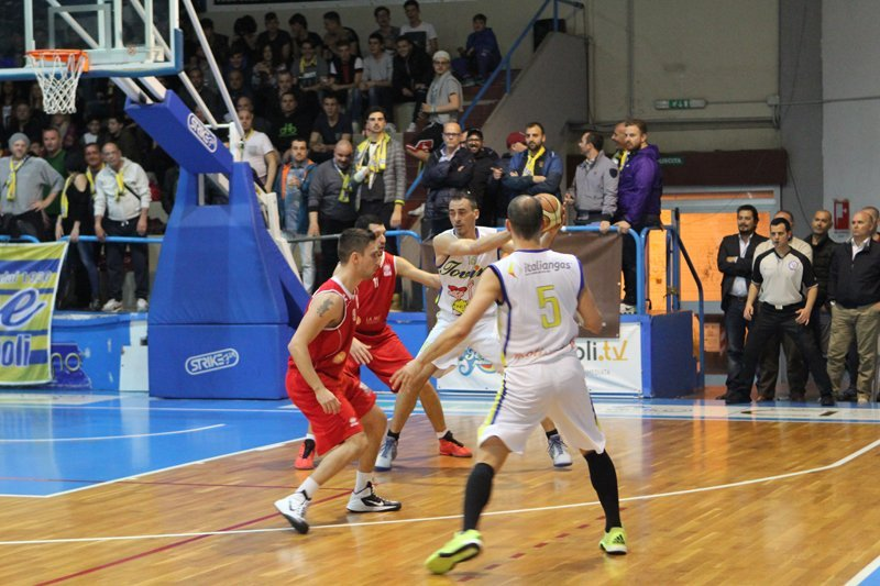 partita di pallacanestro