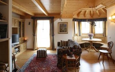 realizzazione soggiorno classico Cadore