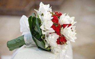 Bouquet Sposa Unico Fiore.Fiori In Mazzo Minervino Murge Barletta Adria Trani Idea Verde