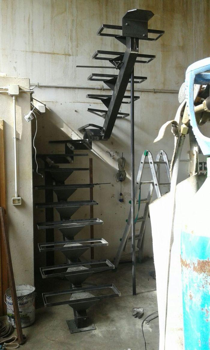 delle scale in ferro