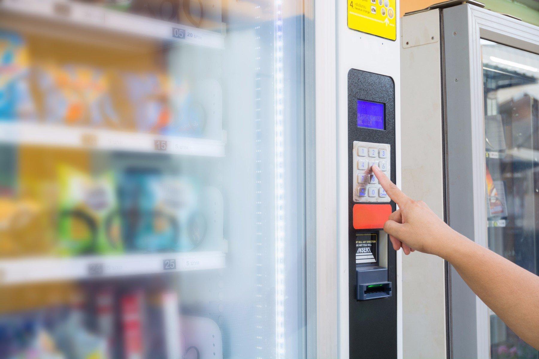 selezione del prodotto al distributore automatico