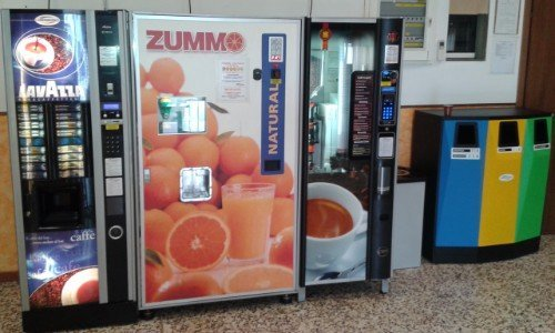 distributore di bevande calde e fredde
