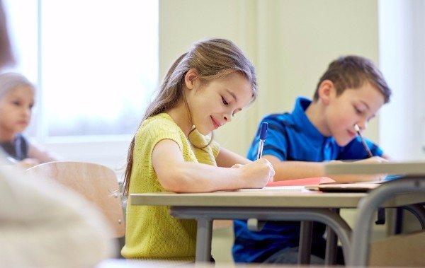 bambini a scuola