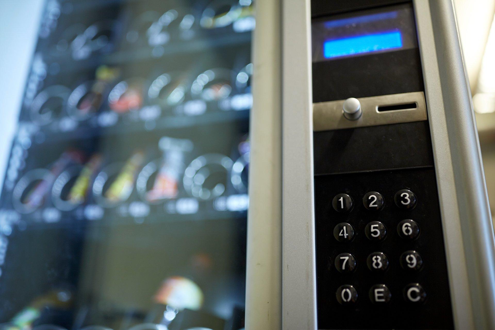 dettaglio della pulsantiera di un distributore automatico