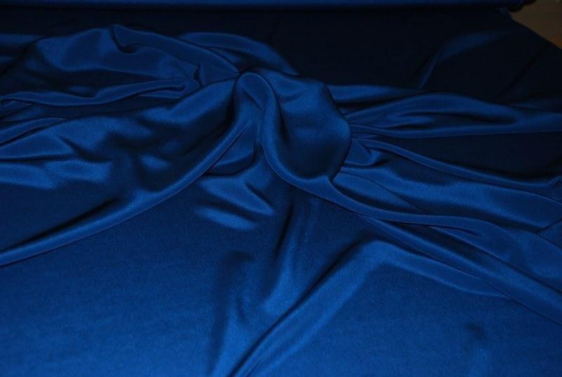Stoffa blu elettrico