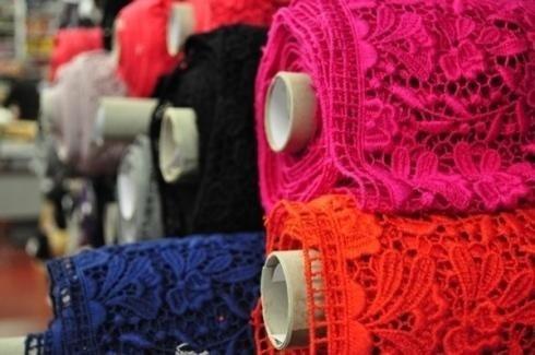 Coloured lace fabrics