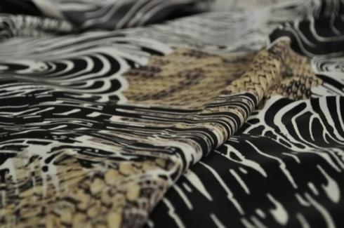 tela por metros blanca y negra