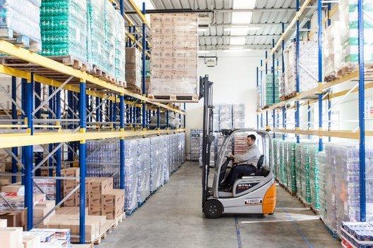 magazzino di prodotti per la fornitura di distributori automatici